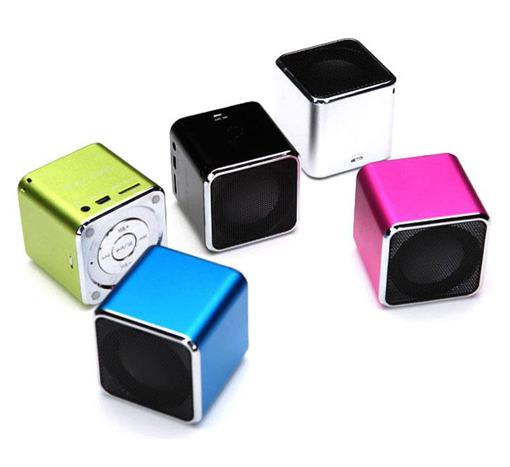 Mini-Lautsprecher-Sound-Box-MP3-Akku-Musik-Player-USB-Stick-Micro-SD-Line-GRUN